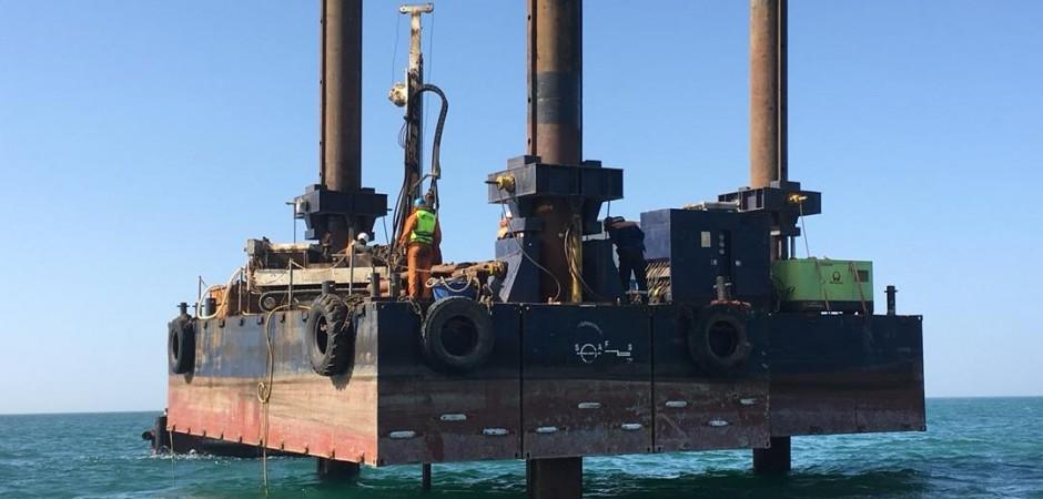 SEA ISLAND - Jack-Up / Spud barge